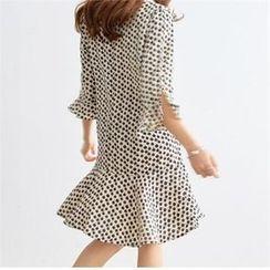 PIPPIN - V-Neck 3/4-Sleeve Ruffle-Hem Pattern Dress
