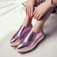 JY Shoes - Platform Pointed Metallic Slip-Ons