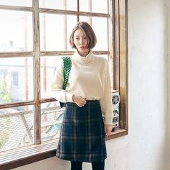 Seoul Fashion - Turtle-Neck Sweater