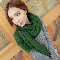 Lucky Leaf - Cable-Knit Scarf