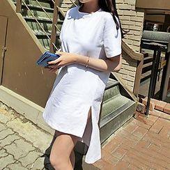 Shimi - 長尾圓領T恤