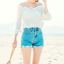 chuu - Distressed-Hem Washed Denim Shorts