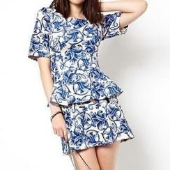 Richcoco - Porcelain Print Short-Sleeve Peplum Top