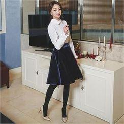ode' - Velvet A-Line Skirt