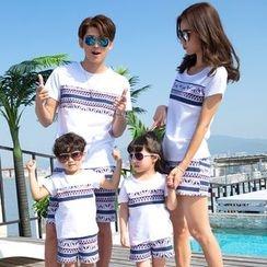 Lovebirds - Family Matching Set: Printed T-Shirt + Shorts
