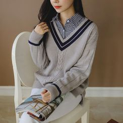 JUSTONE - Contrast V-Neck Cable-Knit Sweater