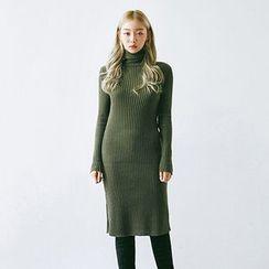 chuu - Turtle-Neck Slim-Fit Knit Dress