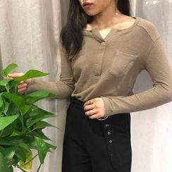 MePanda - V-Neck Long-Sleeve T-Shirt