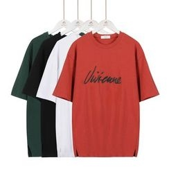 Momewear - Elbow-Sleeve Embroidery T-Shirt