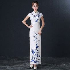 Royal Style - Embroidered Cheongsam