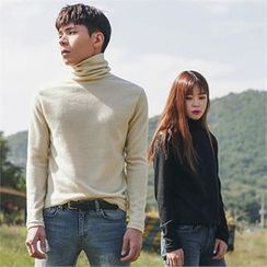 Superstar.i - Couple Turtle-Neck Colored Top
