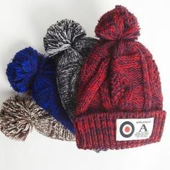 Porta - 貼布毛球帽
