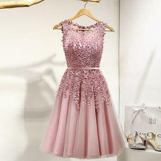 Royal Style - Lace Appliqué Sleeveless A-Line Cocktail Dress