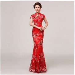 Posh Bride - Short-Sleeve Embroidered Mermaid Wedding Cheongsam