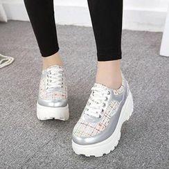 Mancienne - Platform Plaid Sneakers