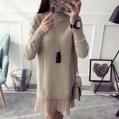 Qimi - Pleated Hem Cable Knit Sweater Dress