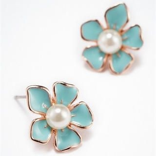 Moonbasa - Faux-Pearl Flower Studs