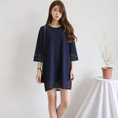 Everose - Eyelet Shift Dress
