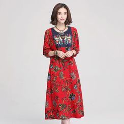 Jiuni - Printed Panel 3/4-Sleeve Dress