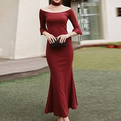 Wild Ivy - Cut Out Front Elbow Sleeve Mermaid Maxi Dress
