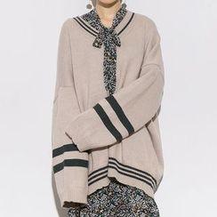 Heynew - V-neck Drop-shoulder Knit Top