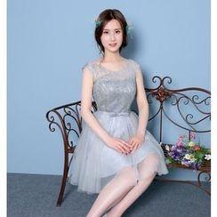 Gracia - Sleeveless Lace Mini Prom Dress