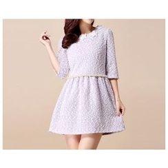 草莓花朵 - 七分袖缀百褶连衣裙