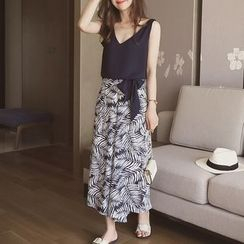 Cocofield - Set: V-Neck Sleeveless Top + Leaf Print Wide Leg Pants