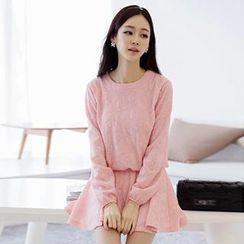 Romantica - Set: Lace Top + Skirt