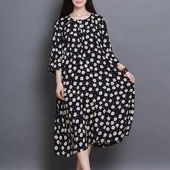 Clover Dream - 3/4-Sleeve Floral A-line Midi Dress