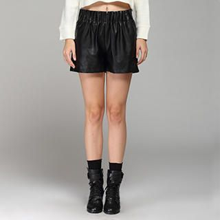 YiGelila - Elastic-Waist Faux-Leather Shorts
