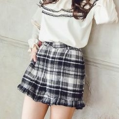 Tokyo Fashion - Frilled-Trim Plaid Shorts