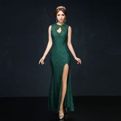 Coeur Wedding - Embellished Cutout Sleeveless Sheath Lace Evening Gown