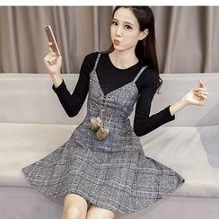 Oaksa - Set: Long-Sleeve T-Shirt + Plaid Strappy A-Line Dress