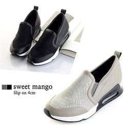 SWEET MANGO - Snakeskin-Panel Wedge-Heel Slip-Ons