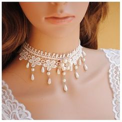Amina - Faux Pearl Dangle Lace Choker