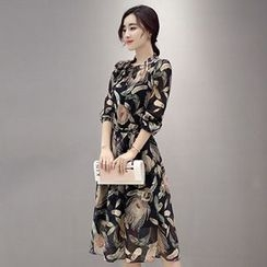 Lavogo - 3/4-Sleeve Floral Midi Dress