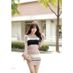 MyFiona - Set: Contrast-Trim Knit Top + Mini Skirt