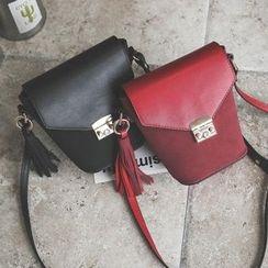 Secret Garden - Tassel Bucket Bag