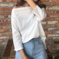 Dute - Plain Off Shoulder 3/4 Sleeve T-Shirt