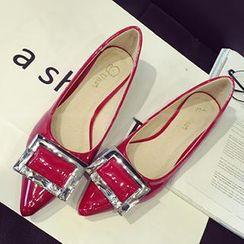 QiQi House - 水鑽釦子尖頭平跟鞋