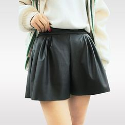 ENZA - Faux Leather Shorts