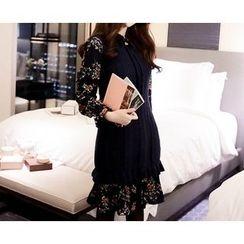 Marlangrouge - Set: Sleeveless Knit Dress + Floral A-Line Dress