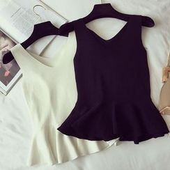 Honeydew - V-neck Sleeveless Knit Top