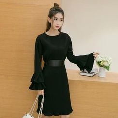 Bloombloom - Bell-Sleeve Midi Dress