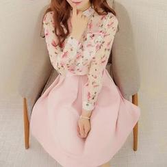 Ekim - Set: Long Sleeved Floral Print Chiffon Blouse + Skirt