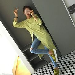 STYLEBYYAM - Lace-Trim Distressed Slit-Side Long T-Shirt