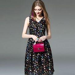 Queen Mulock - Sleeveless V-Neck Printed A-Line Dress