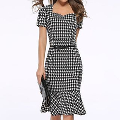 LIVA GIRL - Houndstooth Short-Sleeve Mermaid Dress with Belt