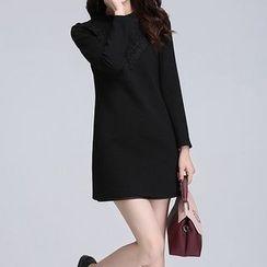 AiLiTi - Lace Panel Shift Dress